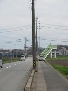 小社神社へ向かう手前の歩道橋