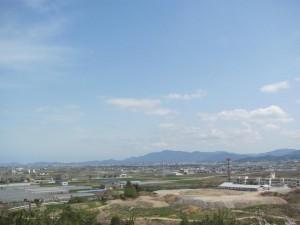 大仏山の展望台から朝熊山方面を望む