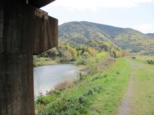 五十鈴川(近鉄鳥羽線高架下)