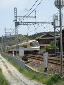 近鉄松尾駅付近