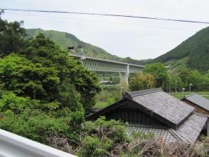 熊野古道 多岐原神社からR42号線へ