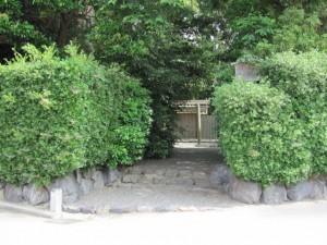 宇須乃野神社(摂社)、縣神社(末社)を同座
