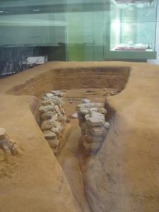 南山古墳の模型