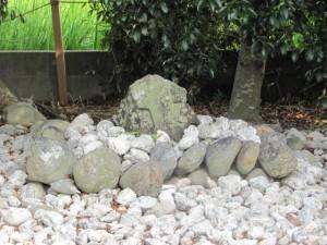 高向大社近くの石神さま