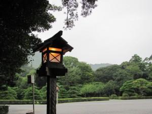 参道(神苑の前)