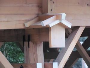 小屋根と梁鼻隠