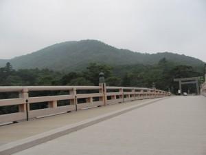 宇治橋から鼓ヶ岳