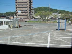 伊勢庁舎前(観光バス車内から)