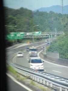 伊勢自動車道、勢和多気JCT(観光バス車内から)