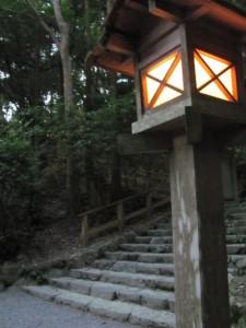 多賀宮への石段下