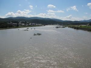 度会橋から宮川上流を望む