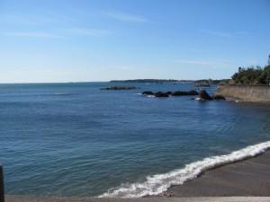 鎧崎の近くの浜