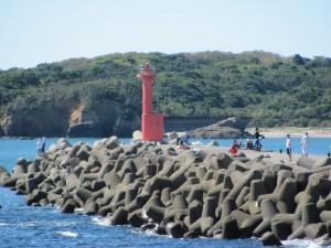 国崎漁港の堤防