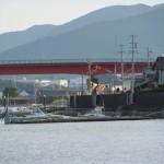 太一御用船の歓迎準備(神社港)
