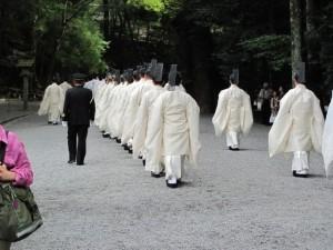 神御衣祭(第一鳥居内祓所から)