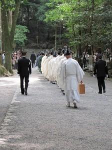 奉幣の儀(参進:多賀宮へ)