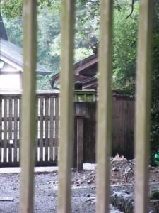 御塩道(御塩橋から斎館を望む)