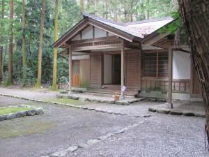 神麻続機殿神社 斎館