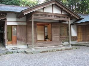 神服織機殿神社 斎館