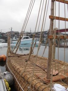 葦船(海の駅 神社)