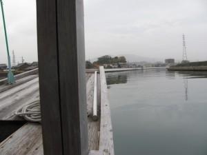 木造船みずき(橘神社、川の駅二軒茶屋を望む)