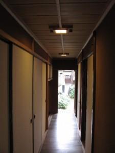 (2-1)と(2-2)の間の廊下