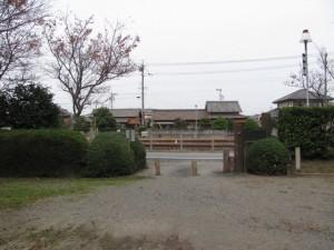 宮川駅より遠い北側出入口付近(離宮院公園)