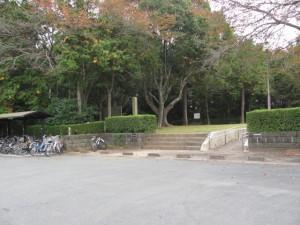 宮川駅前の出入口(離宮院公園)