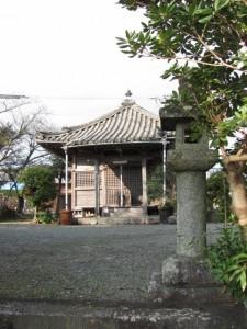 朽羅神社への途中、真念寺