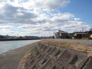 勢田川左岸、勢田川橋付近