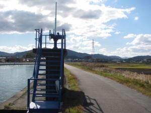 勢田大橋付近から二軒茶屋方面を望む
