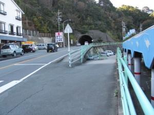 二見興玉神社へ(右の道)