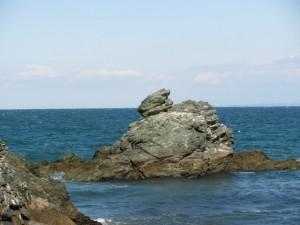 烏帽子岩(蛙岩)