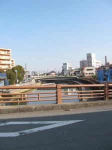 小田橋から勢田川の下流を望む