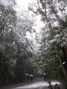 雪の北御門参道(外宮)