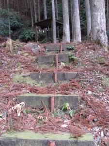 祠へ(船木神社からさらに上)