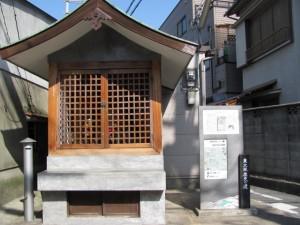 高井田奈良街道筋の石仏