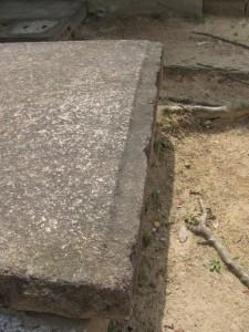 石棺材(天理市立黒塚古墳展示館の裏)