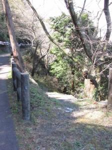 坂道から石段へ(音無山)