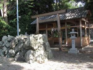 八柱神社(小俣神社の隣)