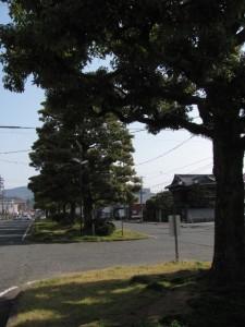 JR山田上口駅前
