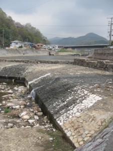 大和川の堰