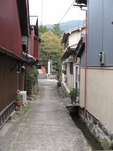 長谷寺参道から長谷山口坐神社へ