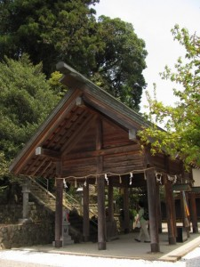 拝殿(椋下神社)