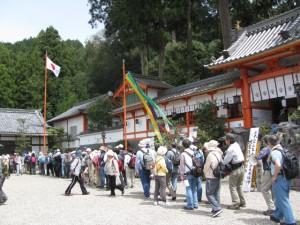 おふるまいに列ぶ(墨坂神社)