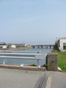 日ノ出橋(五十鈴川)から下流を望む
