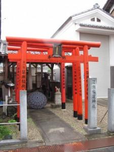 簗瀬稲荷神社と元町太鼓台倉庫