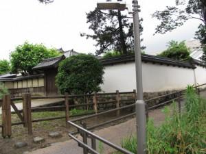 太鼓門から名張藤堂家邸跡へ