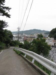鳥羽城跡から赤崎神社へ