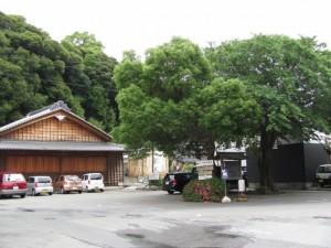 安楽島舞台と伊射波神社の案内板